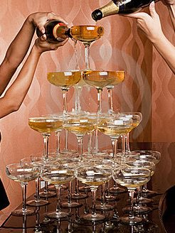 wine glasses showing trickledown effect