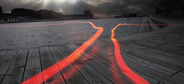 two-parallel-light-streaks-dual-power-header